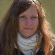 Dr. Nina Junker